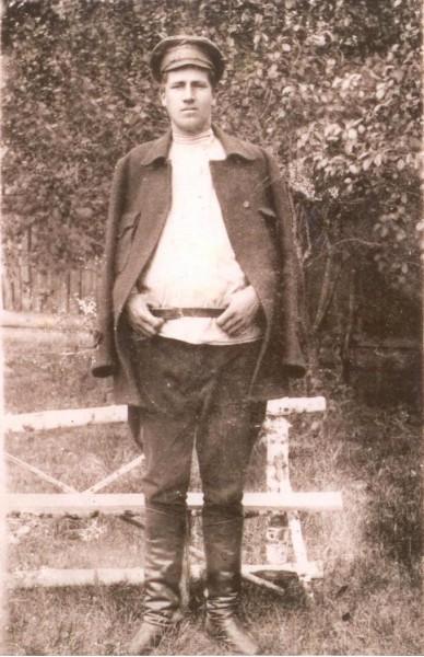 Іван Грисюк (Гайовий), повстанський отаман Київщини. Загинув 9 лютого 1923 р. під час повстання в Лук'янівській в'язниці