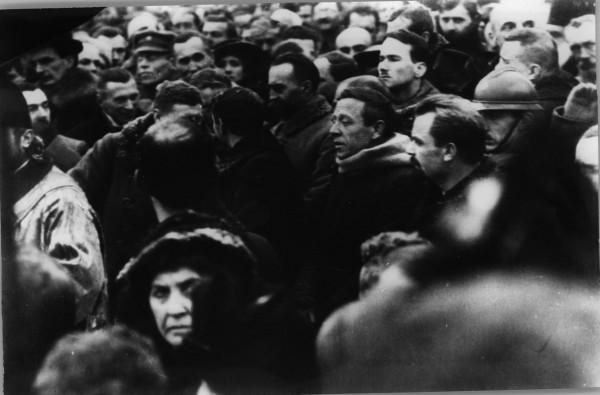 Голова Директорії УНР Володимир Винниченко та член Директорії Симон Петлюра під час молебню з нагоди  проголошення Акта Злуки УНР і ЗУНР. 22 січня 1919 р.